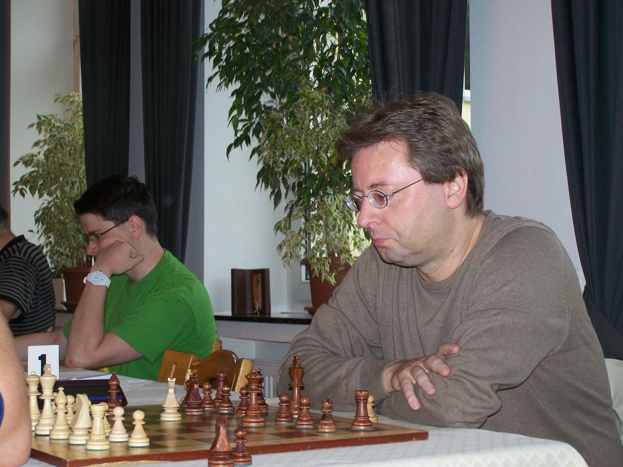 Sogar FM Heiko Kummerow musste sich FM Mark Timmermans in der 1. Runde beugen
