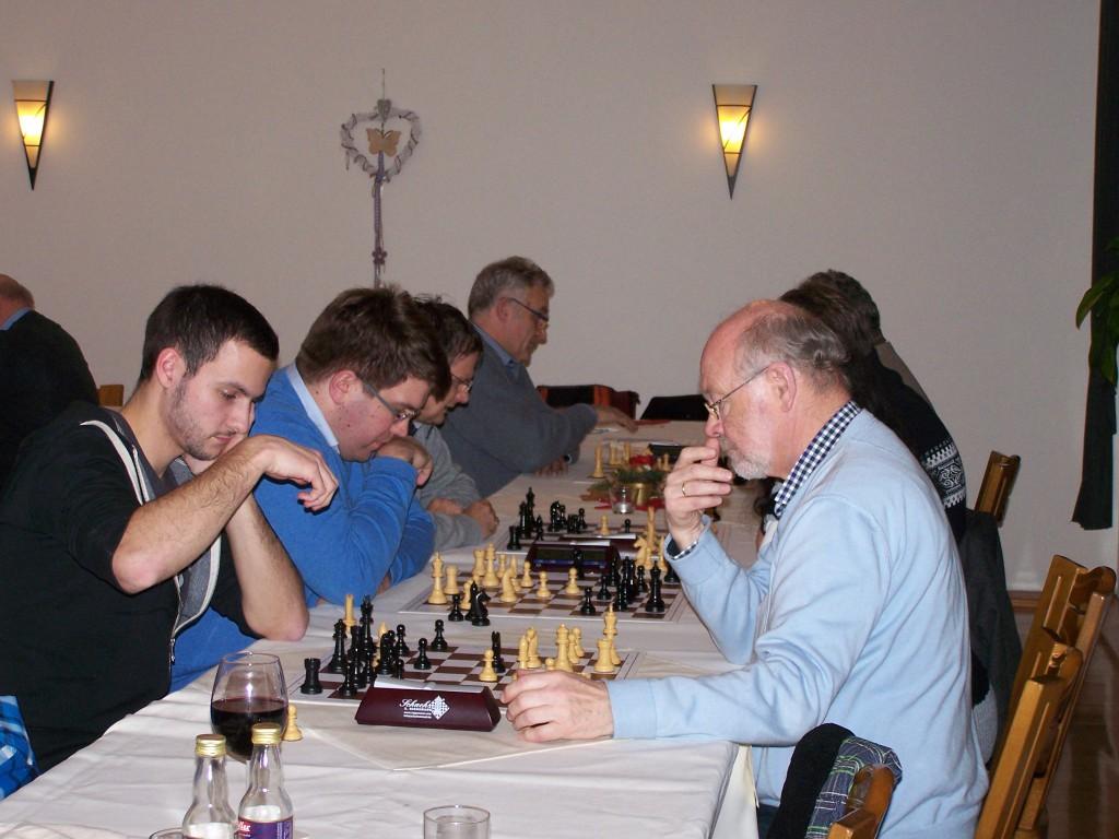 Die 1. Runde der A-Gruppe, im Vordergrund: Klaus Fuchs - Michael Glahn