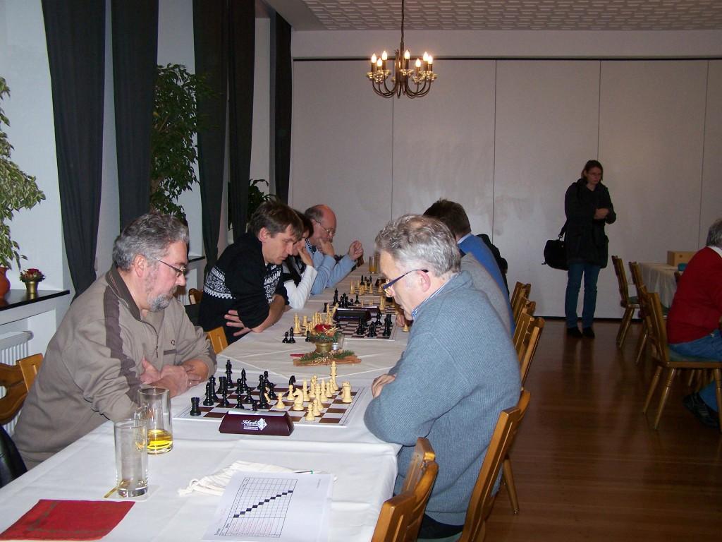 Die 1. Runde der A-Gruppe, im Vordergrund: Franz Schulze Bisping - Christian Mayeres