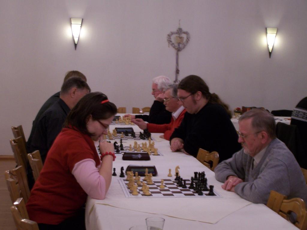 Die 5. Runde der B-Gruppe, im Vordergrund: Jennifer Wickenfeld - Ludwig Schedlbauer